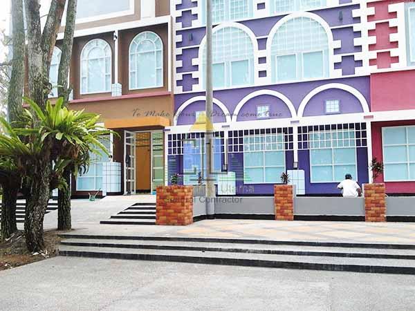 Konstruksi Bangunan Bertingkat & Pekerjaan Area Plaza di Puncak Cipanas